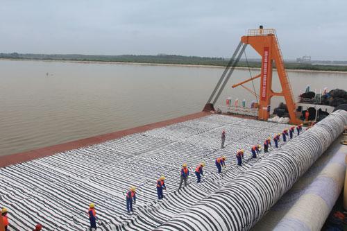 长江南京以下12.5米深水航道工程